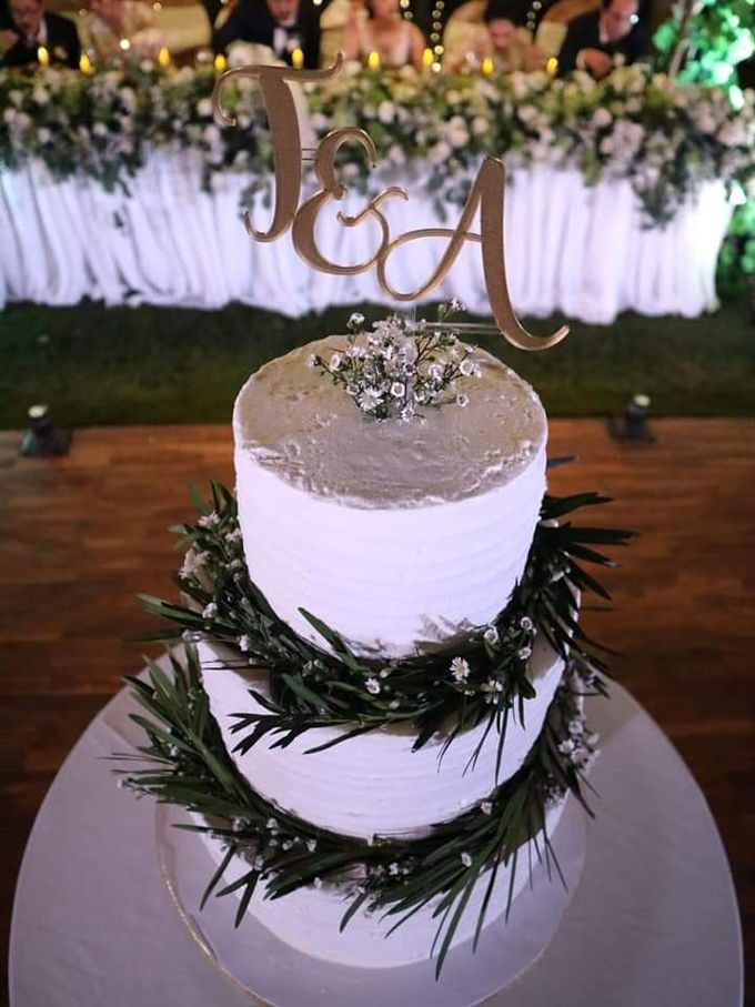 The Wedding Cake Of Timothy & Amydhea by Moia Cake - 003