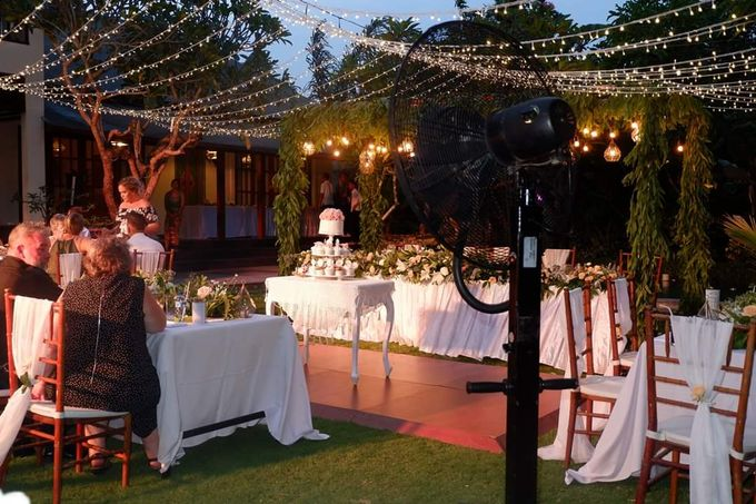 The Wedding Cake Of Kirk & Samantha by Florenca Bali Florist - 002