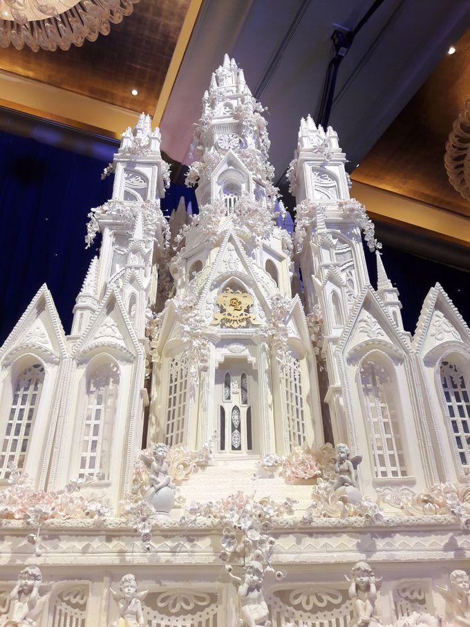 Masterpiece and Signature Wedding Cakes by LeNovelle Cake - 033