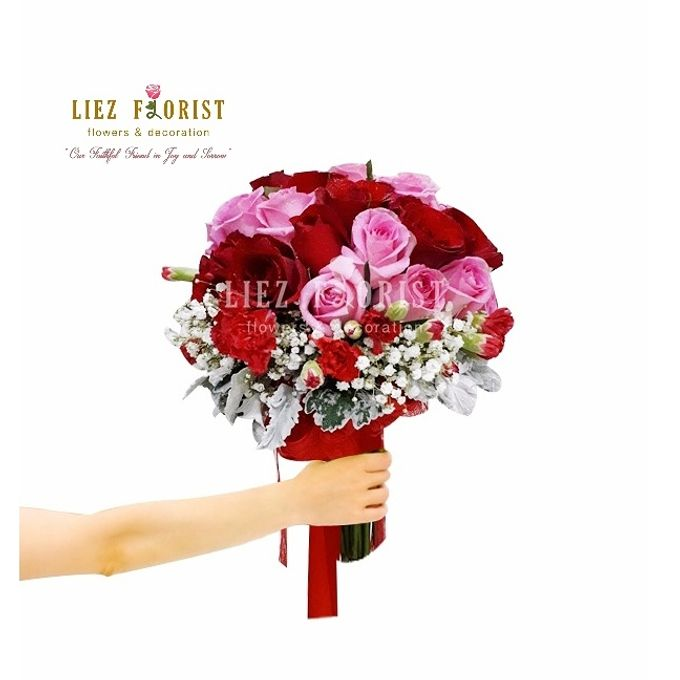 Wedding Hand Bouquets by Liez Florist & Decoration - 022