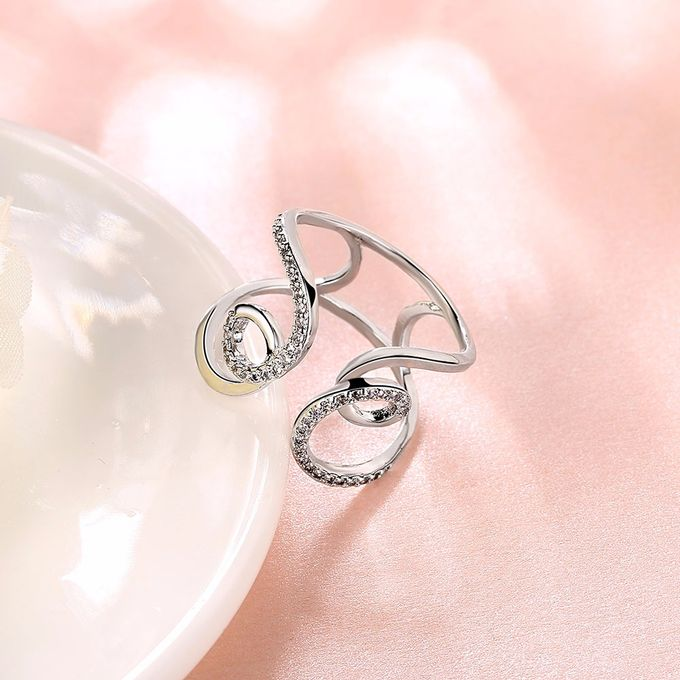 TIARIA Diamond Curly Gold Ring Perhiasan Cincin Emas Berlian by TIARIA - 010