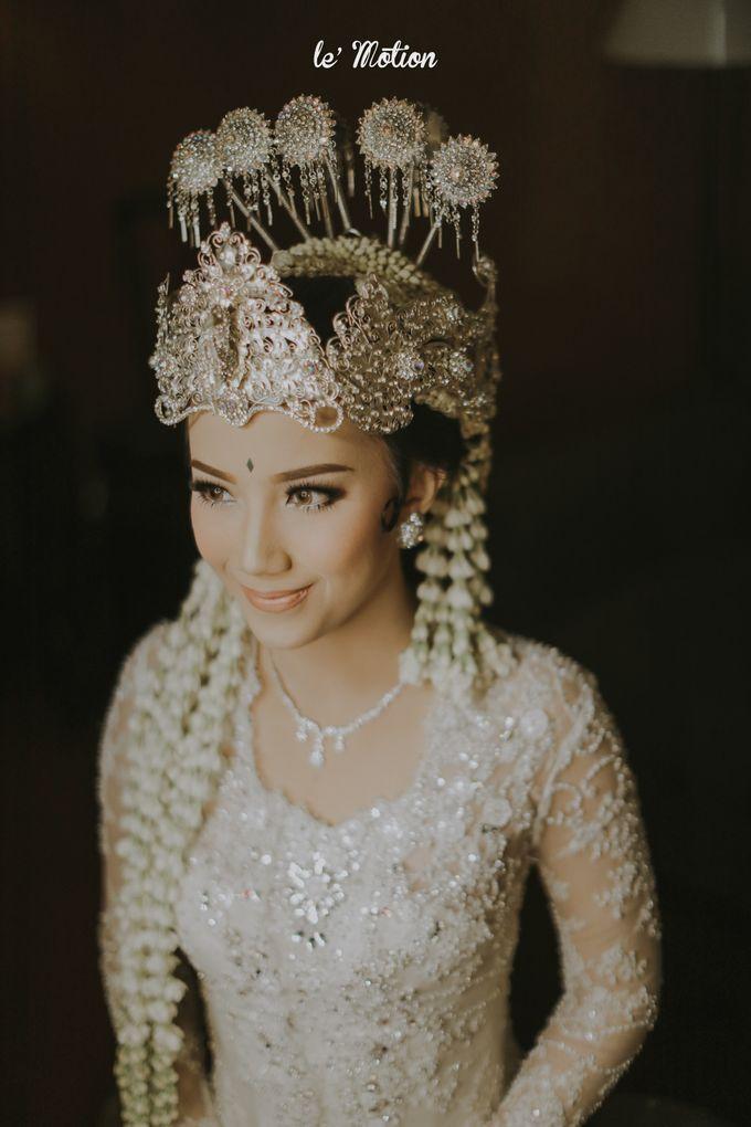 Traditional Sundanese and Minang Fusion Wedding of Felli & Reza by Le Motion - 016