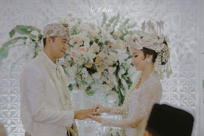 Traditional Sundanese and Minang Fusion Wedding of Felli & Reza by Le Motion - 020