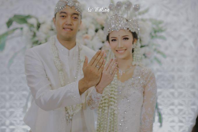 Traditional Sundanese and Minang Fusion Wedding of Felli & Reza by Le Motion - 022