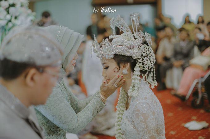 Traditional Sundanese and Minang Fusion Wedding of Felli & Reza by Le Motion - 025