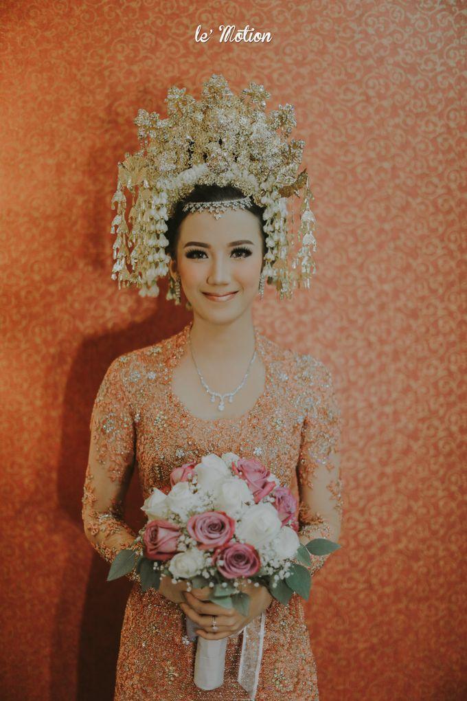 Traditional Sundanese and Minang Fusion Wedding of Felli & Reza by Le Motion - 033