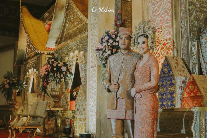 Traditional Sundanese and Minang Fusion Wedding of Felli & Reza by Le Motion - 032