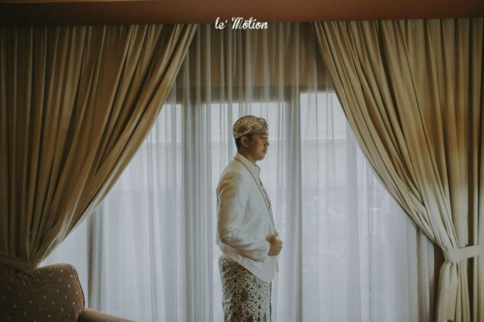 Traditional Sundanese and Minang Fusion Wedding of Felli & Reza by Le Motion - 017