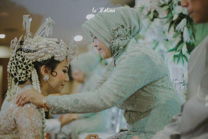 Traditional Sundanese and Minang Fusion Wedding of Felli & Reza by Le Motion - 028