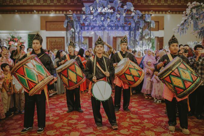 Traditional Sundanese and Minang Fusion Wedding of Felli & Reza by Le Motion - 039