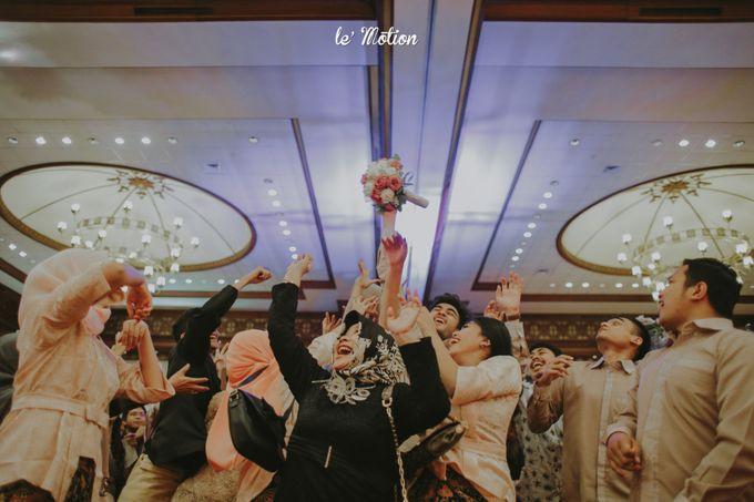 Traditional Sundanese and Minang Fusion Wedding of Felli & Reza by Le Motion - 041