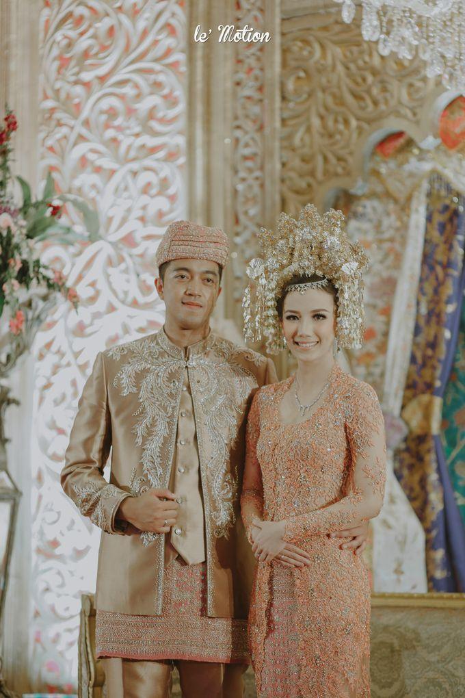 Traditional Sundanese and Minang Fusion Wedding of Felli & Reza by Le Motion - 042