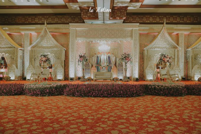 Traditional Sundanese and Minang Fusion Wedding of Felli & Reza by Verakebaya - 015