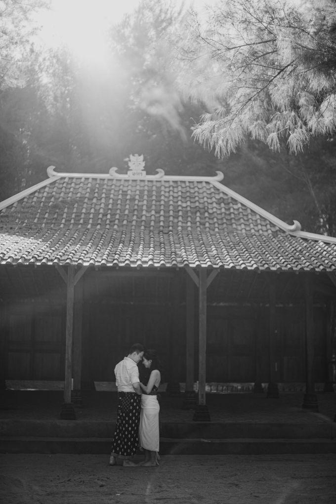 Febryna & Junio Prewedding Yogyakarta by AKSA Creative - 010