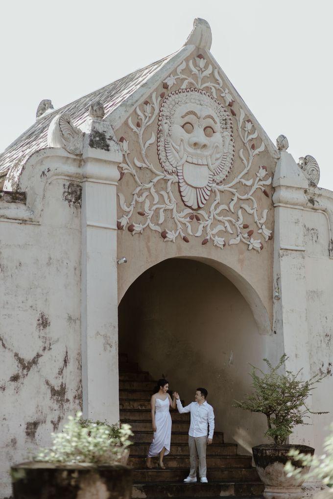 Febryna & Junio Prewedding Yogyakarta by AKSA Creative - 013