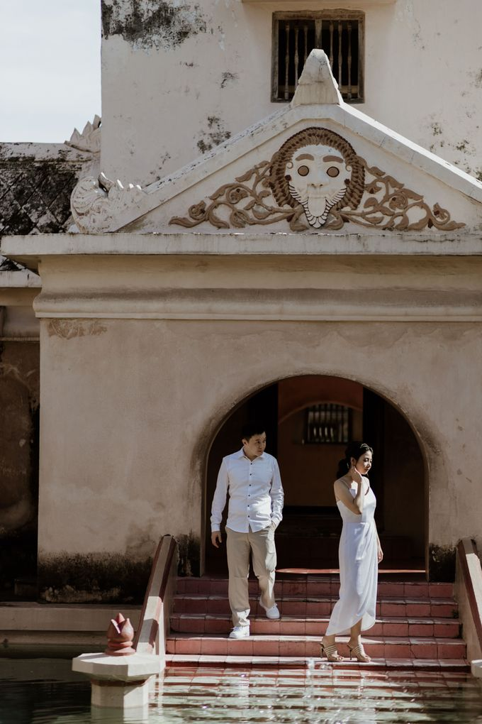 Febryna & Junio Prewedding Yogyakarta by AKSA Creative - 016