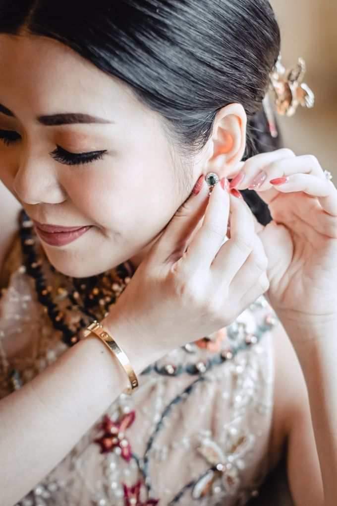 Contemporary Chinese Engagement with Nathania by NOMA Jewelry & Accessories - 004