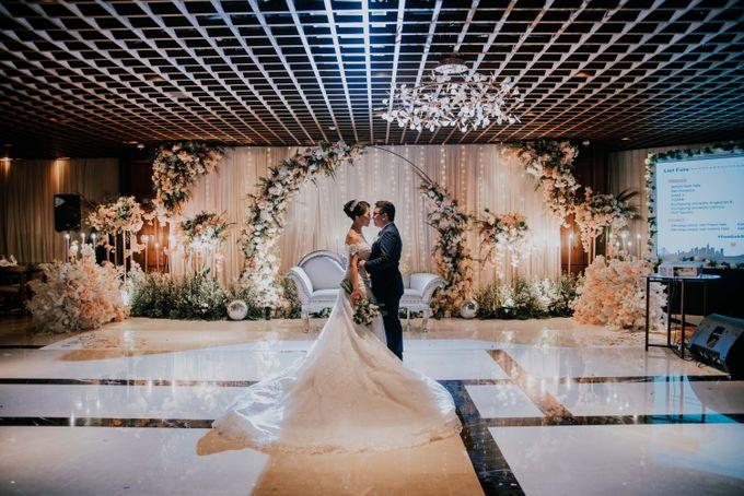 The Wedding of Felix & Gabriella by NERAVOTO - 049