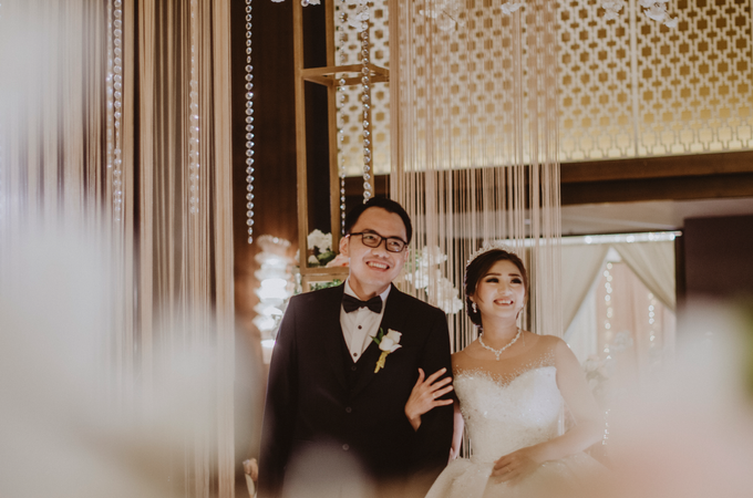 Trinov & Marcelia Wedding by Festiva Organizer - 005