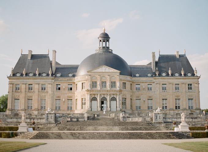 Château Wedding in France by Greg Finck - 007