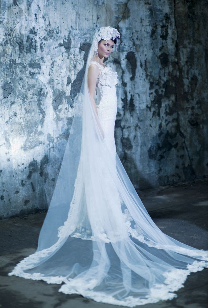 BRIDAL GOWN vol 01 by HK Bride by Hengki Kawilarang - 002