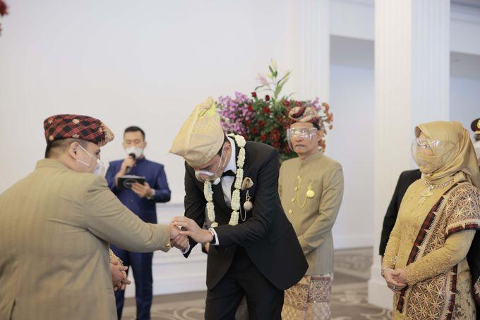 The Wedding of Tania & Kemal by THE TRIBRATA Darmawangsa Jakarta - 005