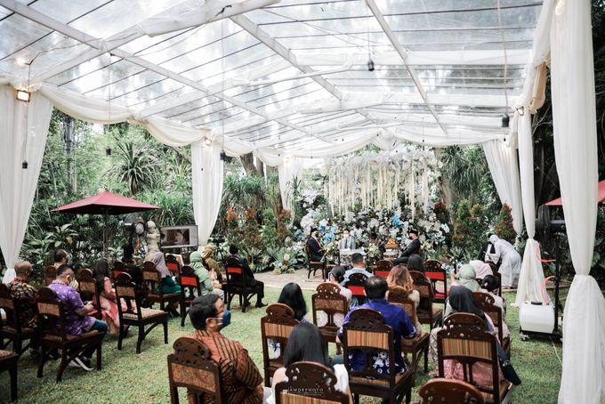 Vira Wildan Intimate Wedding Day by Chandira Wedding Organizer - 033