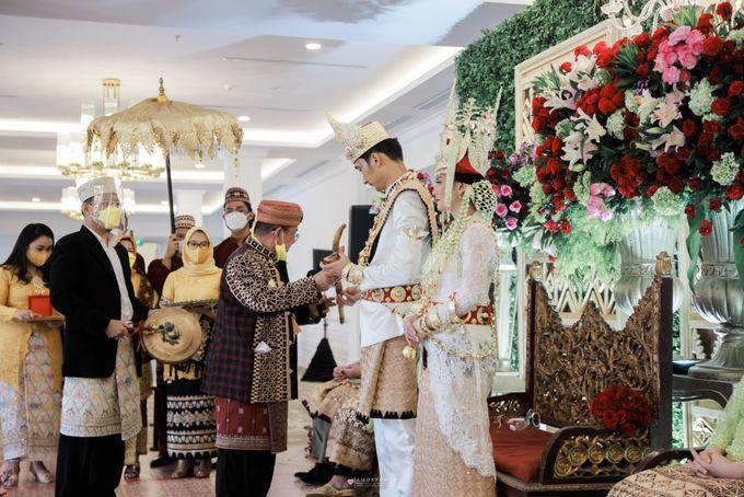 The Wedding of Tania & Kemal by THE TRIBRATA Darmawangsa Jakarta - 004