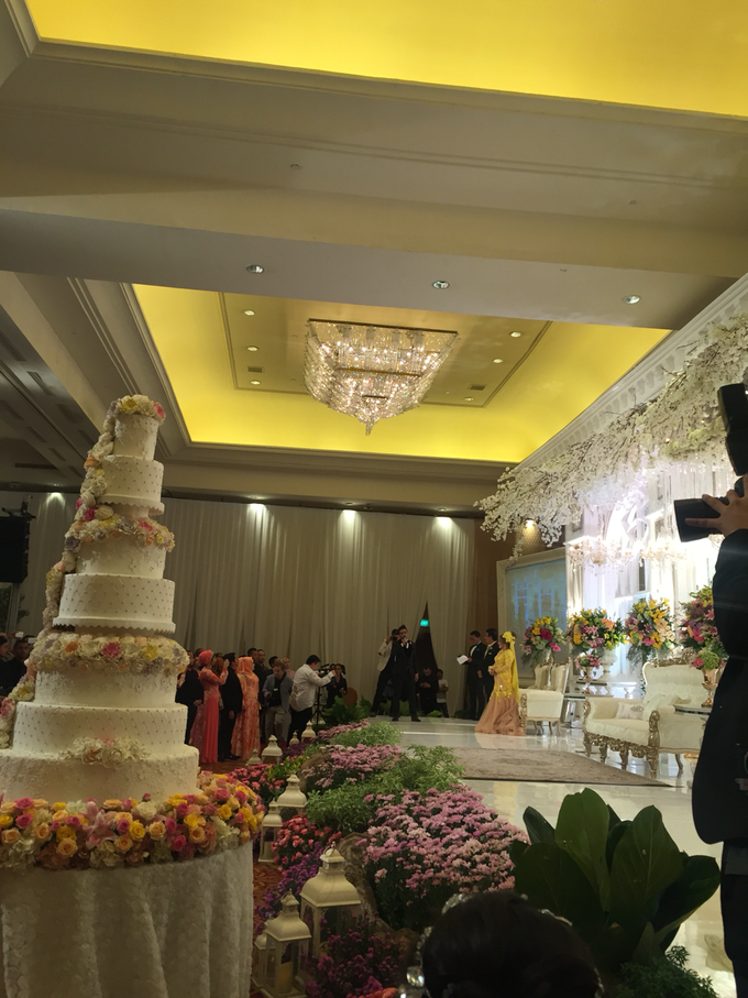 Wedding Adiva & Harun-Grand daughter Elvy Sukaesih by The Ritz-Carlton Jakarta, Mega Kuningan - 006