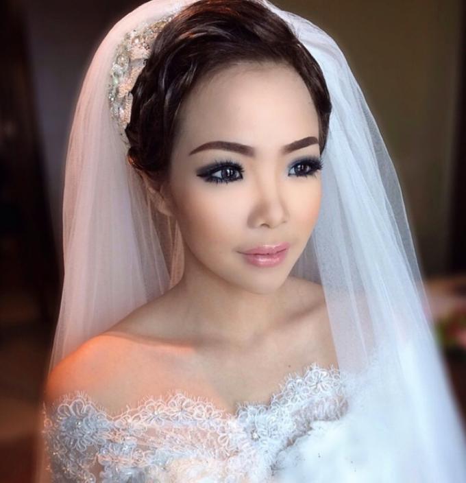 Makeup Bride/Photoshoot, party, engagement by Dewi Yen Makeup Artist - 003