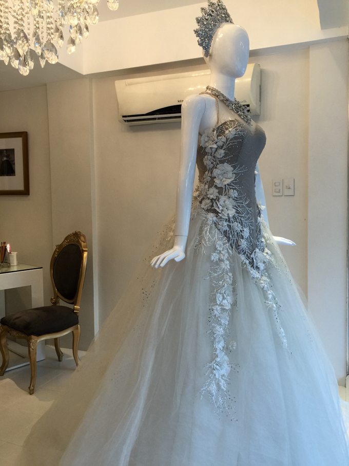 Bridal Gowns & Long Gowns by Joji Aguilar-Couture - 004
