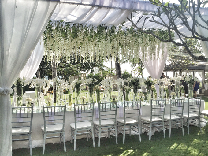 White wedding in starry light by Bali Signature - 010