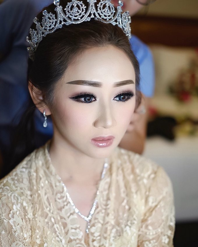 Wedding makeup for Irene (palu) by Imel Vilentcia Make Up Artist - 003
