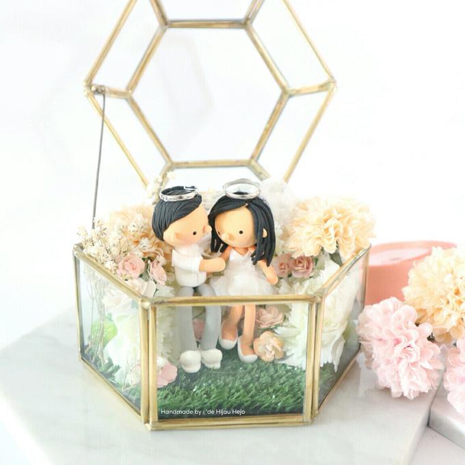 Hexagon glass box ring pillow  by de hijau hejo - 003