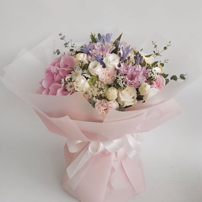 Fresh Flower Bouquet by La Belle Vie flower - 014
