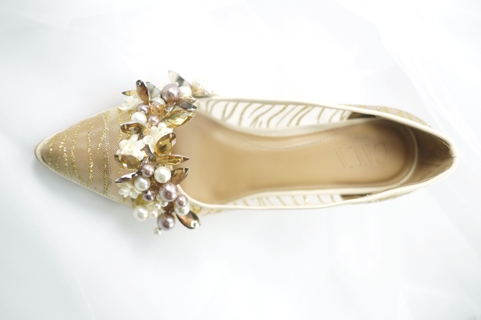 Embellishment on shoes, by CAVA PRIVÉ - 010
