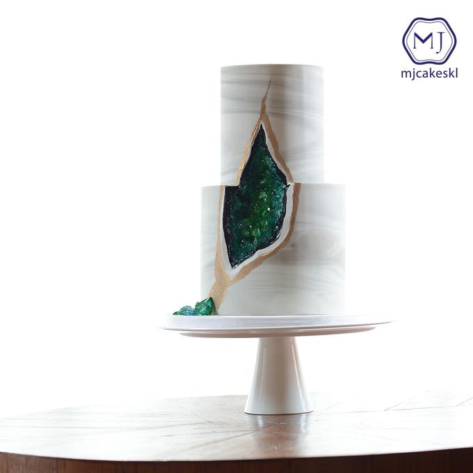 Wedding cakes by MJCakesKL - 003