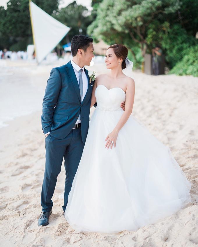 SIMPLE WEDDING DRESS TAIL BISA DI LEPAS by TS BRIDAL BALI - 017