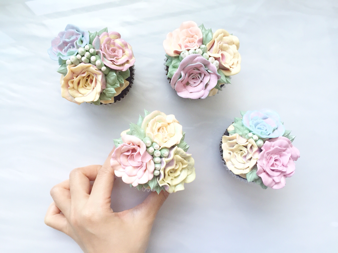 Floral cupcakes by The Rosette Co - 010