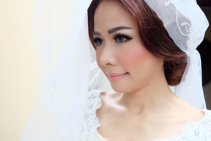 Wedding of Rika and Roberto by sherlyamakeup - 003