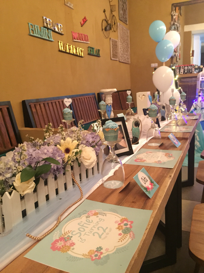 Long table decoration sample by Peony Garden Bali - 004