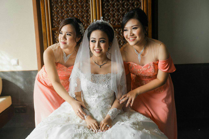 Bridesmaids dresses by Vicuna - 004