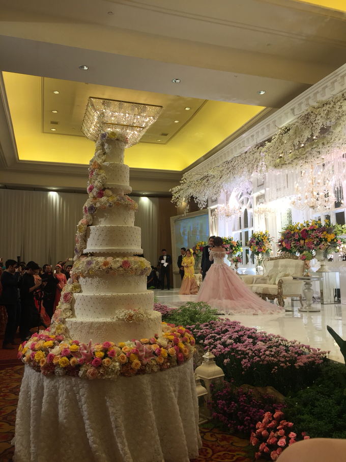Wedding Adiva & Harun-Grand daughter Elvy Sukaesih by The Ritz-Carlton Jakarta, Mega Kuningan - 001