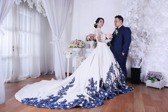 Wedding Gowns by Berkat Kebaya By Devina Shanti - 003