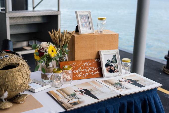 Boat Wedding Florals - Louis & Qiuwen by Liz Florals - 011