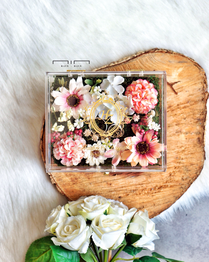 Wedding Ring Box with Flower by NINbox.box - 010
