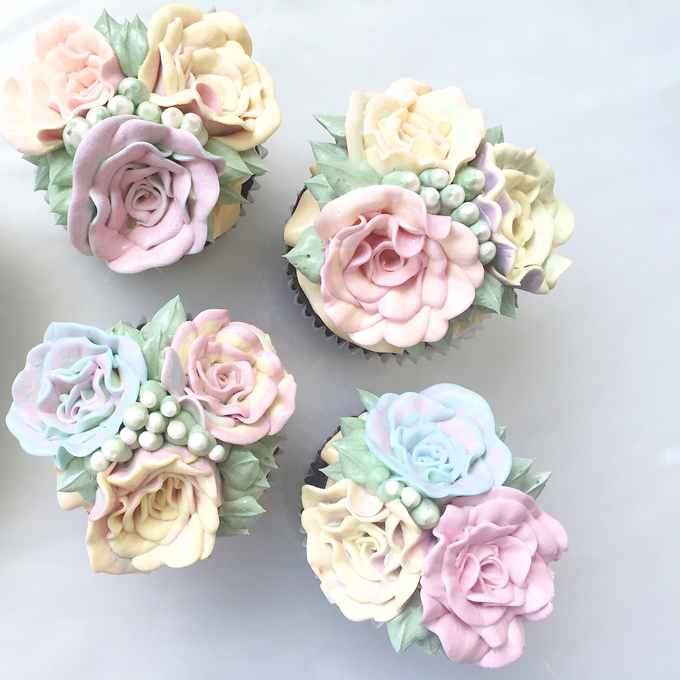 Floral cupcakes by The Rosette Co - 011