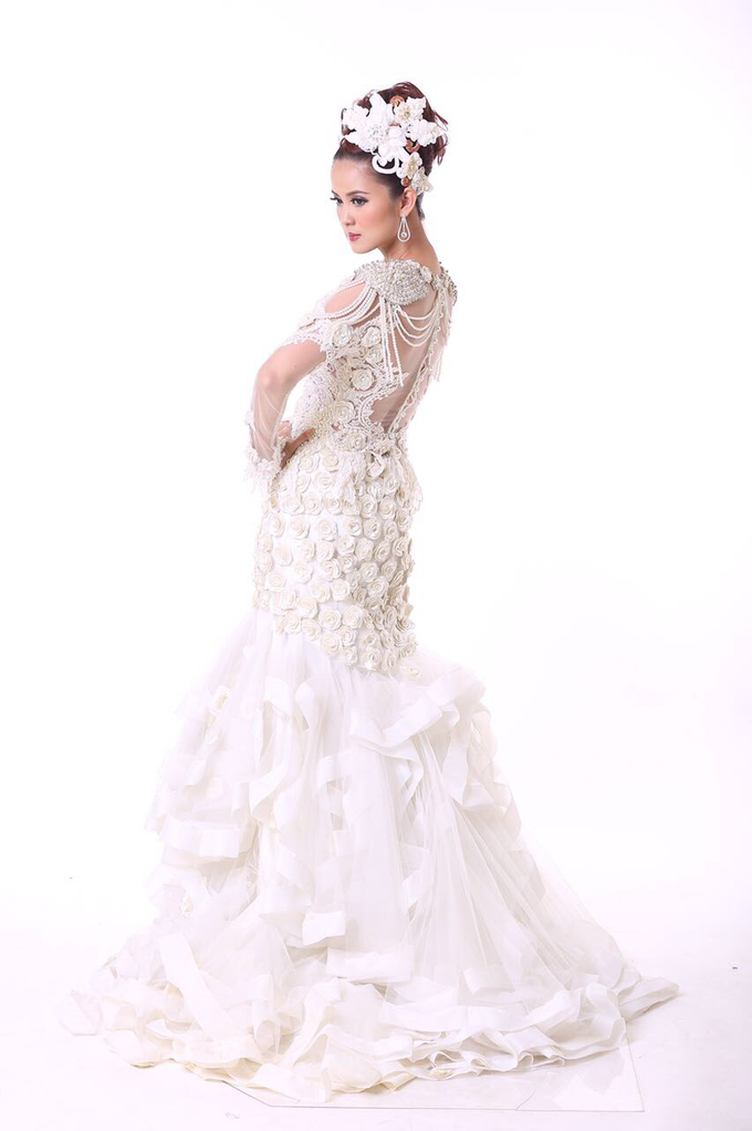 Wedding Gowns by Berkat Kebaya By Devina Shanti - 024