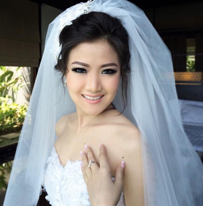 Makeup Bride/Photoshoot, party, engagement by Dewi Yen Makeup Artist - 001