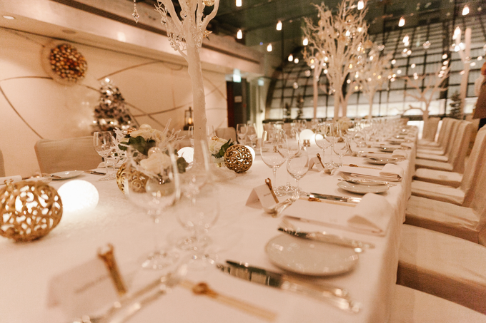 Winter wedding decoration by Peter Simon Photography - 005